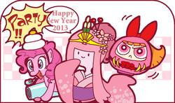 Size: 800x470   Tagged: safe, artist:sukaponta, pinkie pie, 2013, adventure time, blossom (powerpuff girls), costume, crossover, daruma, happy new year, kimono (clothing), party cannon, pixiv, princess bubblegum, the powerpuff girls