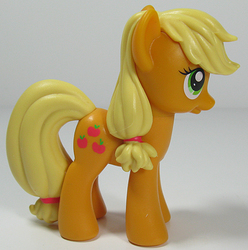 Size: 595x600 | Tagged: safe, applejack, figure, gift set, irl, photo, solo, toy