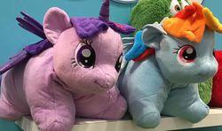 Size: 611x362 | Tagged: safe, rainbow dash, twilight sparkle, alicorn, pony, female, mare, pillow pet, toy, toy fair 2015, twilight sparkle (alicorn)