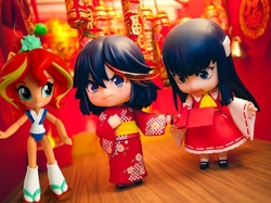 Size: 915x683   Tagged: safe, artist:whatthehell!?, edit, sunset shimmer, fish, equestria girls, ami koshimizu, clothes, doll, equestria girls minis, eqventures of the minis, irl, kill la kill, kimono (clothing), lamp, merchandise, nendoroid, photo, ryuko matoi, satsuki kiryuin, sunset sushi, toy, voice actor joke