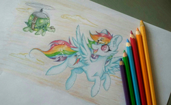 Size: 2988x1836 | Tagged: artist:woonborg, cheek fluff, chest fluff, cloud, colored pencil drawing, cute, dashabetes, female, flying, looking back, mare, pegasus, pony, propeller, rainbow dash, safe, tank, tortoise, traditional art