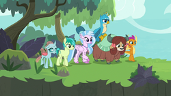 Size: 1280x720 | Tagged: safe, screencap, gallus, ocellus, sandbar, silverstream, smolder, yona, changedling, changeling, classical hippogriff, dragon, earth pony, griffon, hippogriff, pony, yak, non-compete clause, cloven hooves, dragoness, female, flying, male, monkey swings, student six, teenager