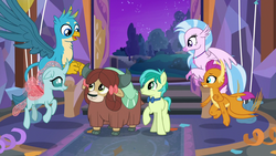 Size: 1280x720 | Tagged: safe, screencap, gallus, ocellus, sandbar, silverstream, smolder, yona, changedling, changeling, classical hippogriff, dragon, earth pony, griffon, hippogriff, pony, yak, she's all yak, bow, cloven hooves, colored hooves, dragoness, female, hair bow, jewelry, male, monkey swings, necklace, student six, teenager