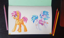 Size: 1500x894 | Tagged: safe, artist:maytee, dj pon-3, scootaloo, vinyl scratch, pegasus, pony, unicorn, colored pencil drawing, smiling, traditional art