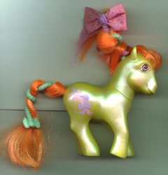 Size: 552x575   Tagged: safe, g1, beautiful bows, bow, brushable, toy