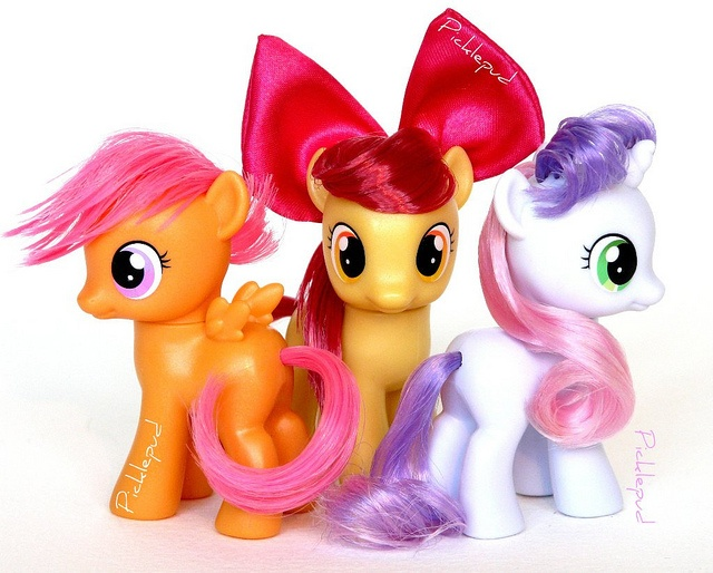 493474 Apple Bloom Brushable Cutie Mark Crusaders Safe Scootaloo Sweetie Belle Toy Derpibooru She also identifies other ponies from her collection. 493474 apple bloom brushable cutie
