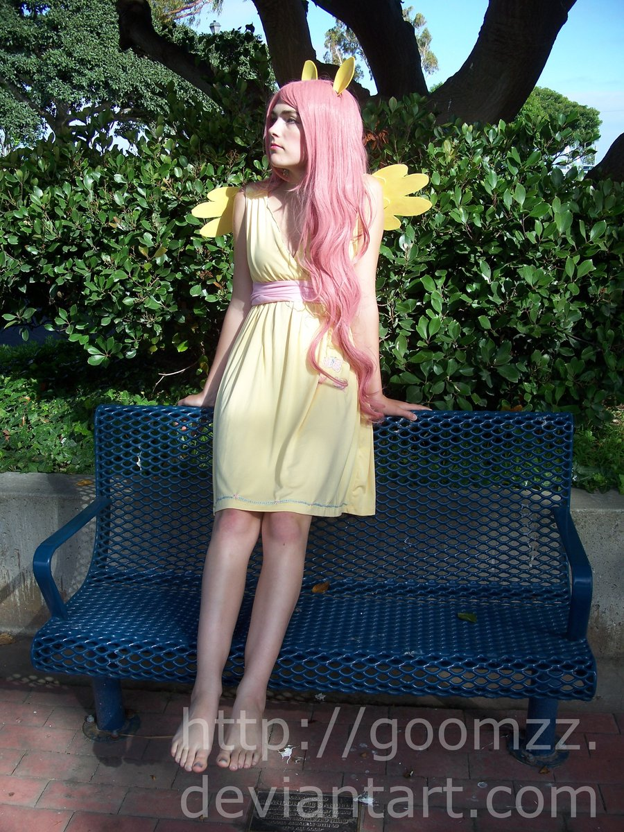 https://derpicdn.net/img/view/2013/4/23/306632__safe_solo_fluttershy_photo_human_irl+human_cosplay_feet_barefoot_artist-colon-goomzz.jpg