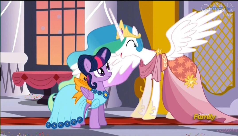 897147__safe_twilight+sparkle_princess+celestia_princess+twilight_screencap_spoiler-colon-s05e07_make+new+friends+but+keep+discord.jpg